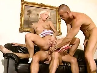 Kinky bisexual anal threesome hardcore action