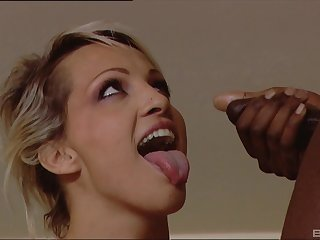 Interracial threesome with cum shots on face for blonde MILF Dara Lee